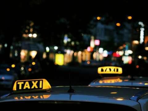 タクシーの勤務形態